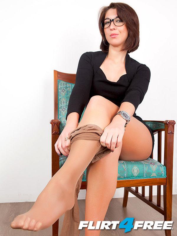 Flirt4free trans model linda ashley has fun dressing up then blowing a load 7