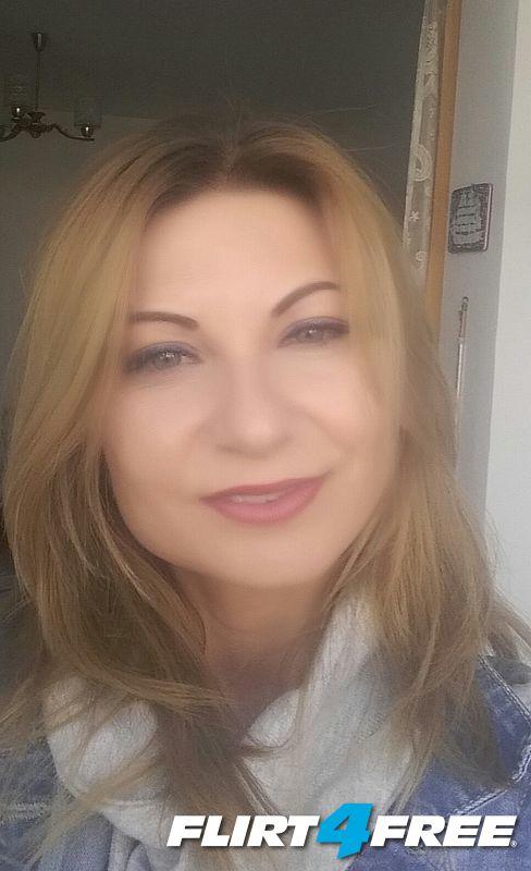 Photo of Angelina Knight