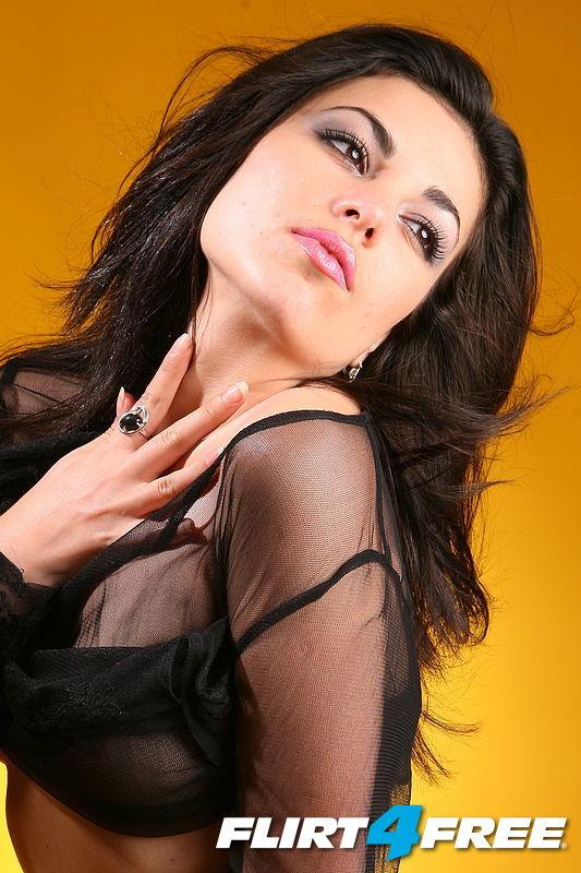 Seductive Nicoletta