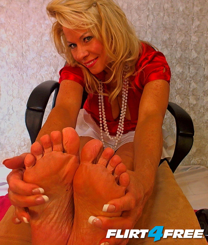 Briana Starr shows Soles