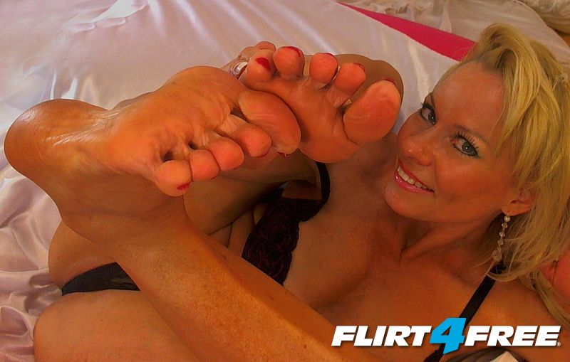 Briana Starr and Sexy Feet