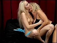 Brea Bennett & Sophia Rossi